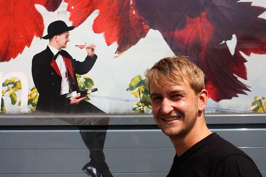 Matthias Rieder ist das Maskottchen de...rtäler Winzergenossenschaft Roter Bur.  | Foto: Gabriele Fässler