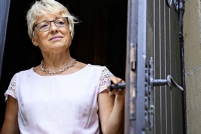 Frau leitet eine katholische Gemeinde