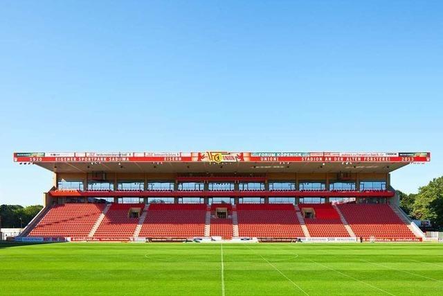 Erleben Sie den SC Freiburg beim 1. FC Union Berlin und freuen Sie sich auf eine Erlebnistour durch die Hauptstadt!