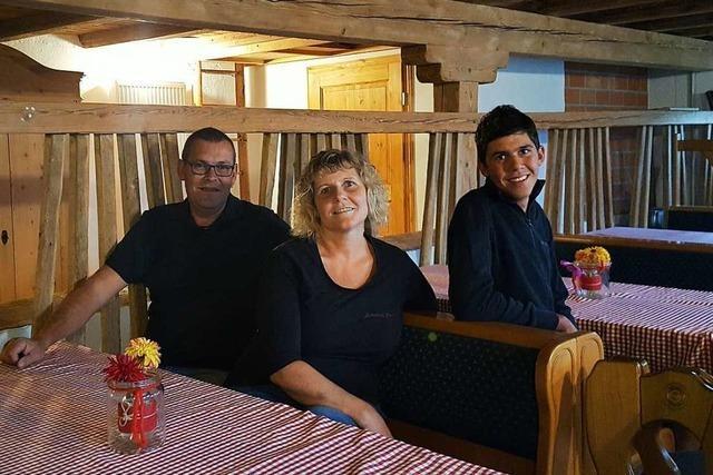 Familie Kälble eröffnet Gaststube am Fuße der Hohengeroldseck
