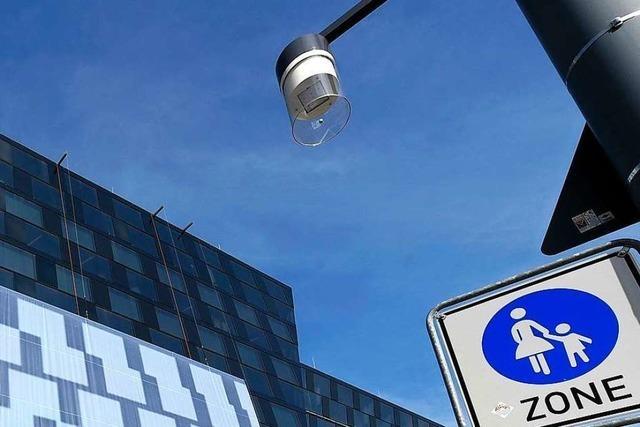 Ursache für herabgefallenes Glas an Freiburger Rotteckstrecke weiter unklar