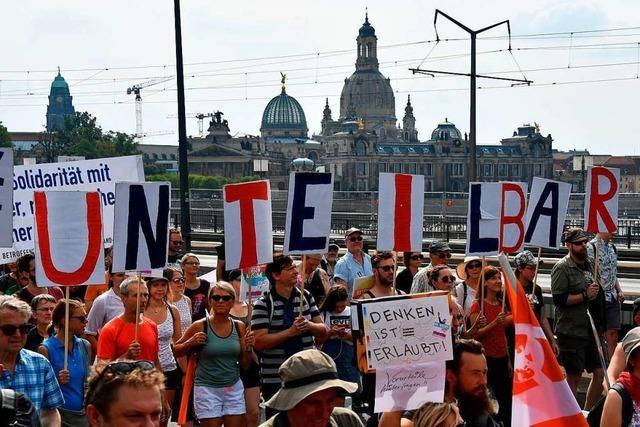 Mehr als 35.000 Menschen demonstrieren in Dresden gegen den