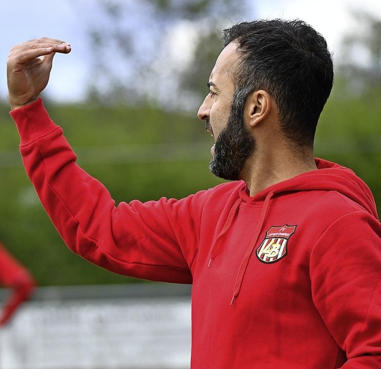 Erlebte ein starkes Spiel des FVLB: Trainer Erkan Aktas.     Foto: Achim Keller