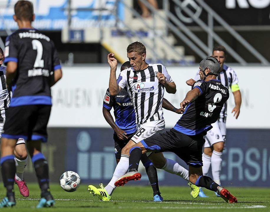 Zehn Tore in acht Spielen erzielte Nil...eikampf mit Klaus Gjasula verwickelt.     Foto: Friso Gentsch