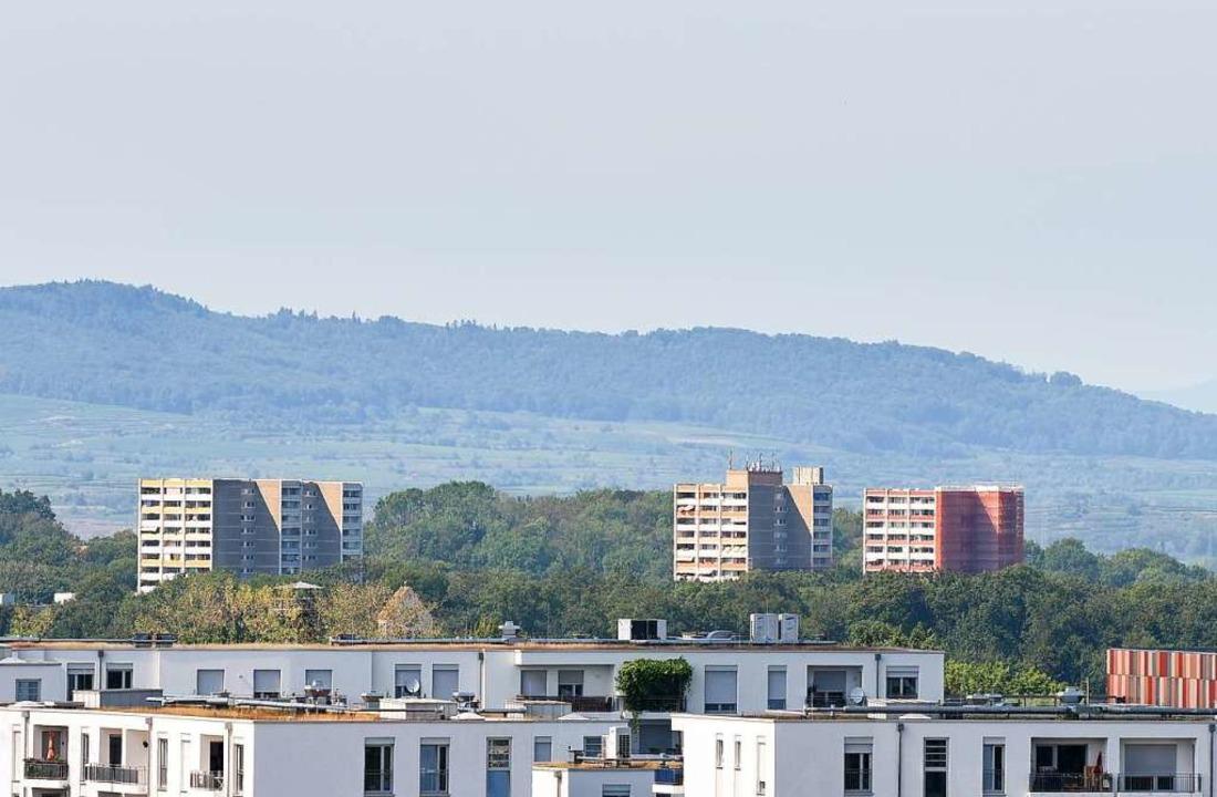 Die Hochhäuser an der Auwaldstraße war...neue Eigentümerin will das nun ändern.  | Foto: Rita Eggstein