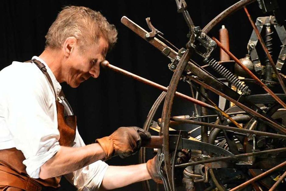 Messerwerfer Georg  Traber (Foto: Horatio Gollin)