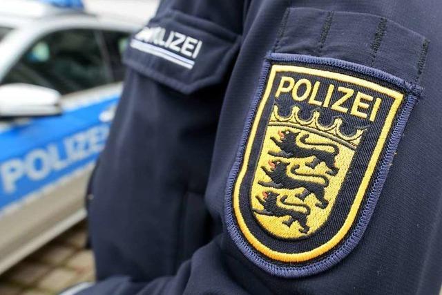 Mann rastet im Polizeirevier aus und wird gewalttätig