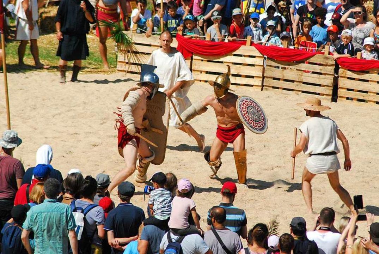 Gladiatorenkämpfe begeisterten das Publikum.  | Foto: Thomas Loisl Mink