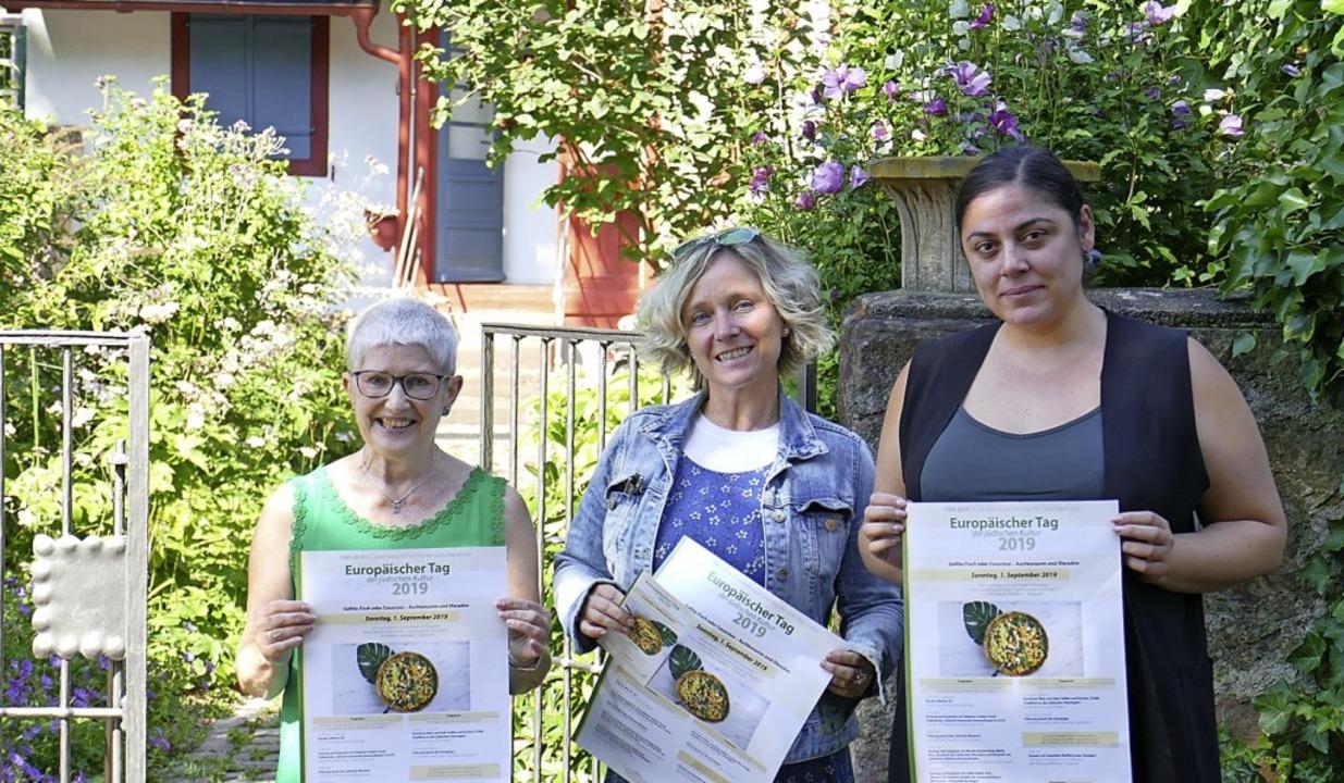 Carola Grasse, Monika Miklis und Viktoria Dohmen freuen sich auf  Sonntag.   | Foto: Marc Loewer