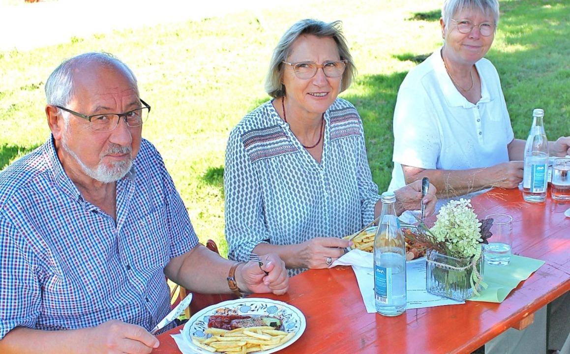 Gute Speisen und gute Stimmung gehören beim jährlichen Familinefest zusammen.  | Foto: Rolf Reißmann