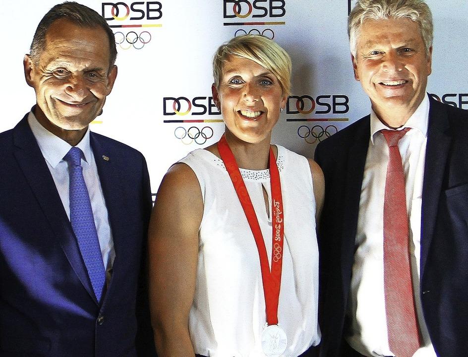 Mit Christina Obergföll freuen sich üb... Deutschen  Leichtathletik-Verbandes.   | Foto: Peter Aukthun-Goermer