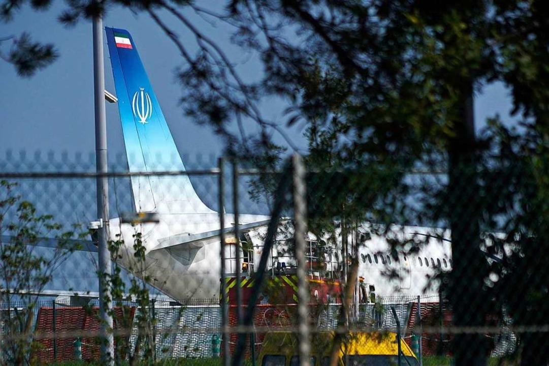 Heikle Mission: Ein iranisches Flugzeug kündigte eine überraschende Visite an.    Foto: Mstyslav Chernov (dpa)