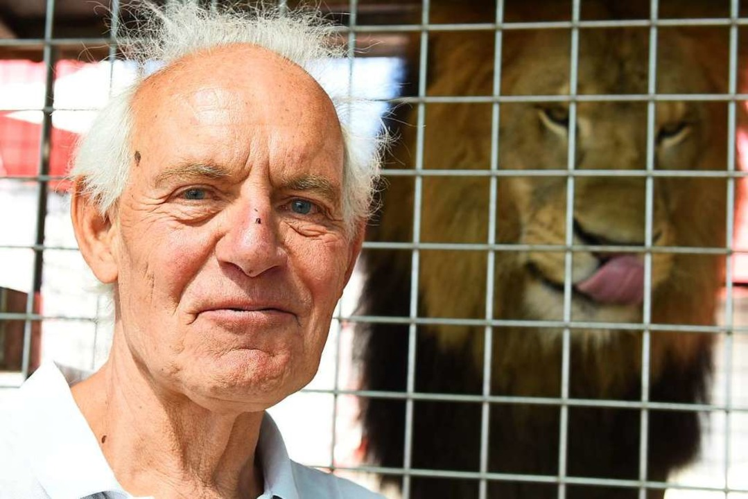 Verhaltensforscher Immanuel Birmelin f...n Tieren, die in Gefangenschaft leben.  | Foto: Rita Eggstein