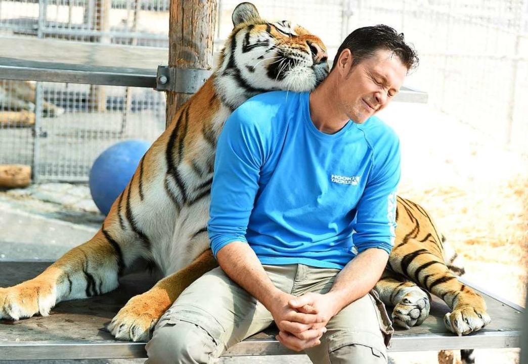 Alexander Lacey mit Tigerin Kashmir  | Foto: Rita Eggstein
