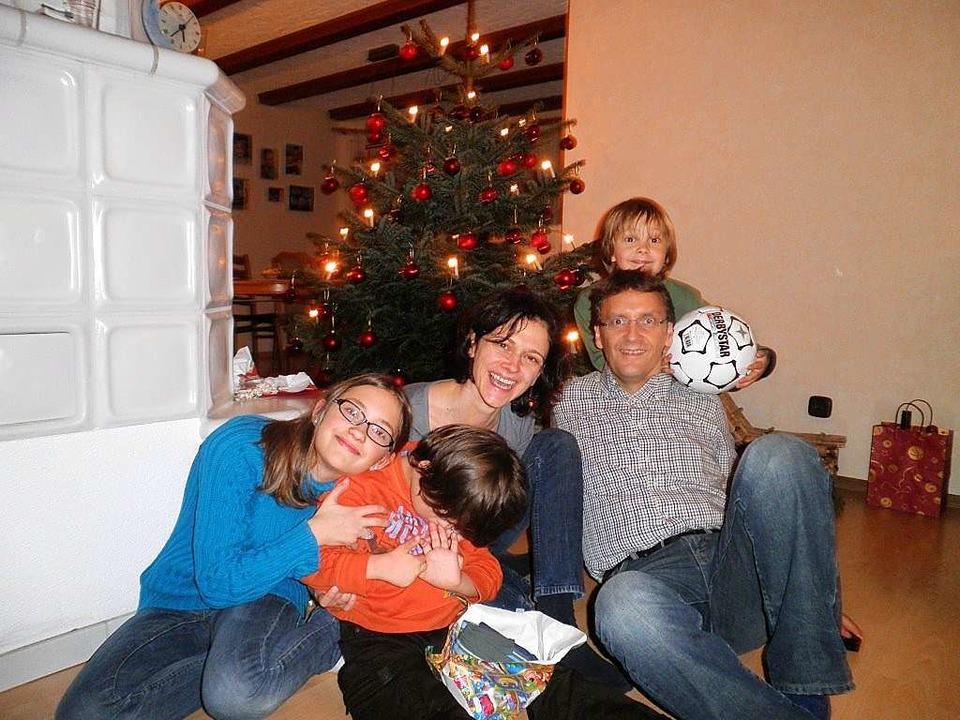 3. Im Kreis der Familie    Foto: privat