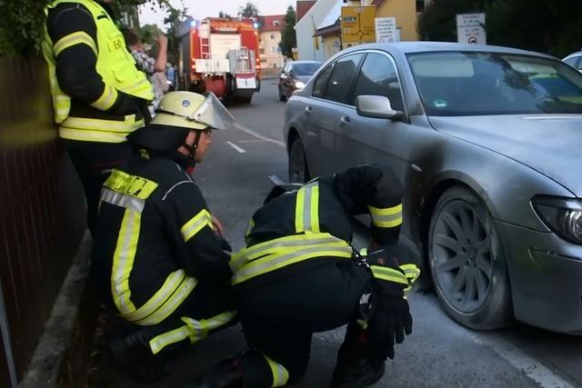 Polizei fahndet nach Verdächtigem wegen Brandstiftung an Auto in Lahr-Dinglingen