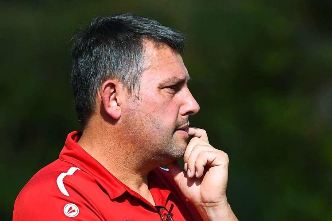 Ganz entspannt: Trainer Andreas Zimmermann von der SG Schluchsee/Feldberg  | Foto: Wolfgang Scheu