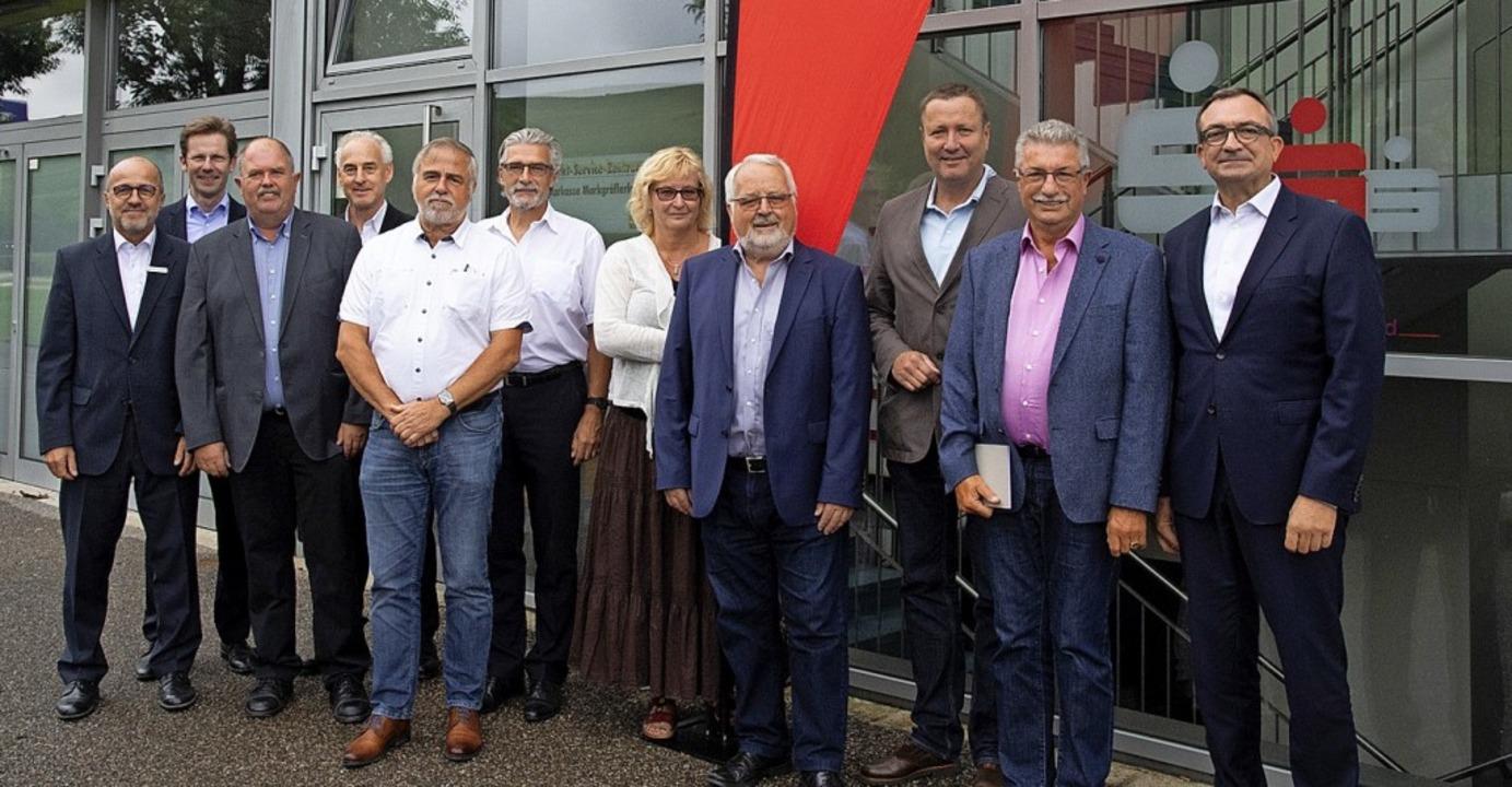 Die Vertreter der Stiftungen im Geschä...sich über die Zustiftung oder Spende.   | Foto: Volker Münch