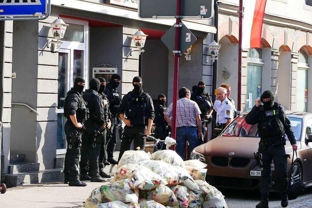 Polizei nimmt nach großer Razzia drei Männer in Rheinfelden fest
