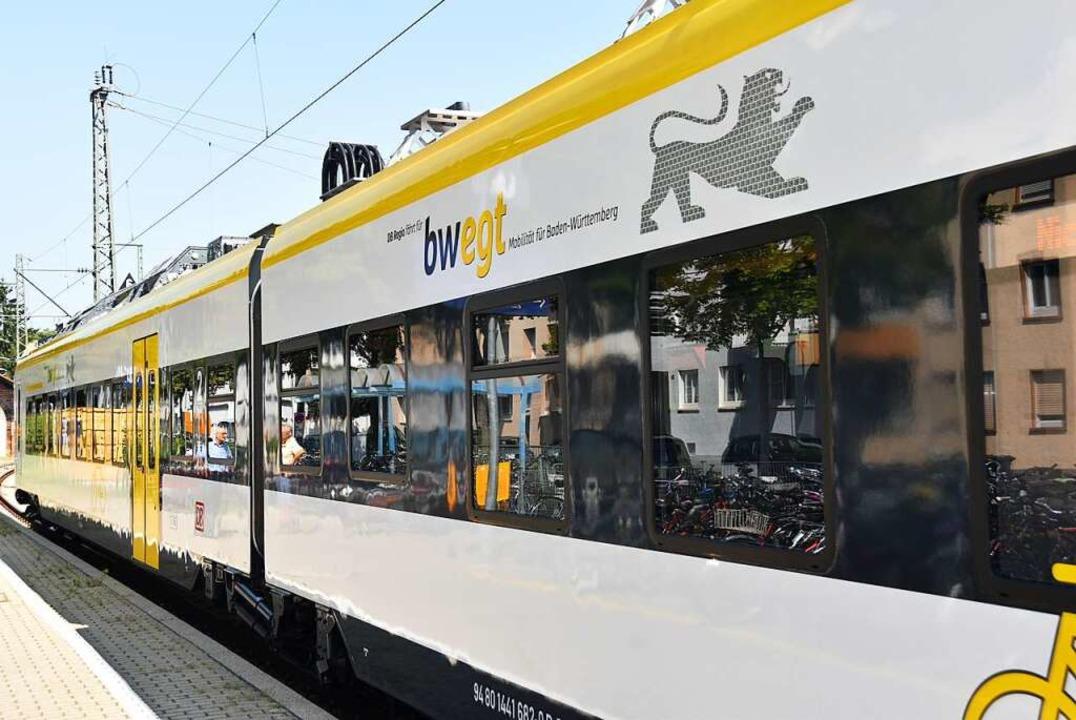 Mit dem neuen Elektrotriebwagen ET 144...gau mehr Leute auf die Schiene locken.  | Foto: Manfred Frietsch