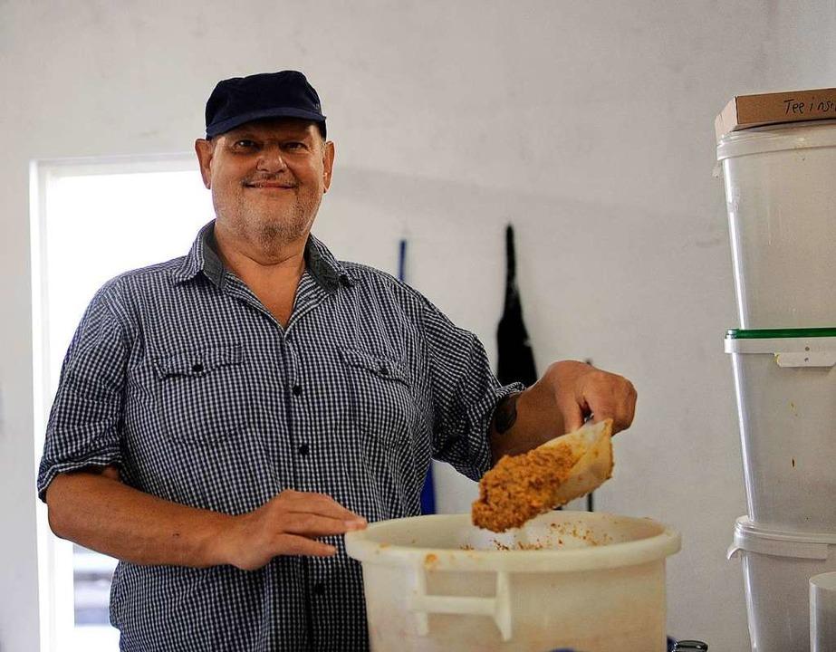 Bernd Oswald hat sich mit großer Leide...der Herstellung von Senf verschrieben.  | Foto: Bettina Schaller