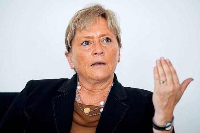 Kultusministerin Eisenmann will mehr Geld für Schulsanierungen