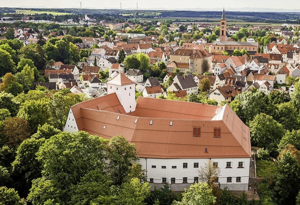 Hoch über der Stadt:  Wittelsbacher Schloss in Friedberg  | Foto: Stefan Heinrich/Kleeblatt Medien