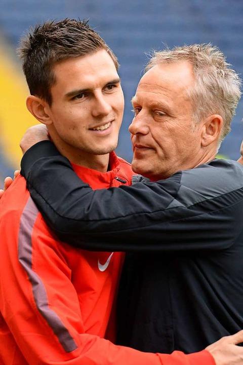 Wiedersehen 2014: Johannes Flum (damal...urt) und SC-Trainer Christian Streich   | Foto: Achim Keller