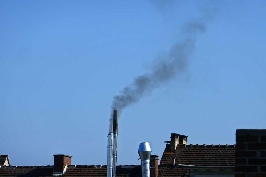 Rauch aus den Schornsteinen des Grill-Restaurants im Stühlinger  | Foto: Privat
