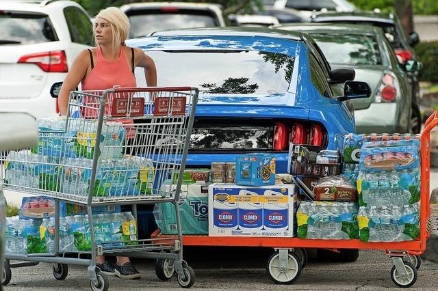 Amerikaner bereiten sich auf Hurrikan vor