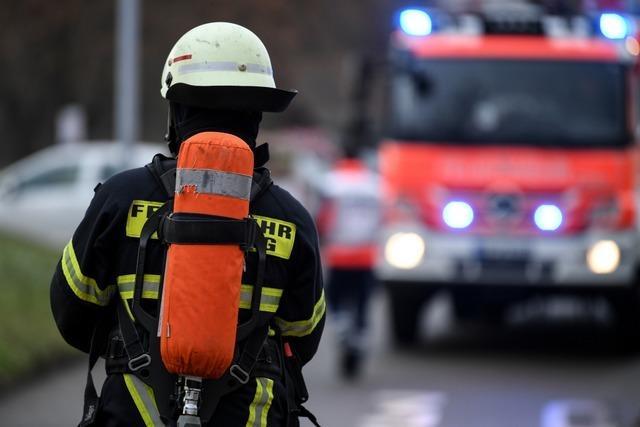 Freiburger Feuerwehr rettet Frau aus brennender Wohnung