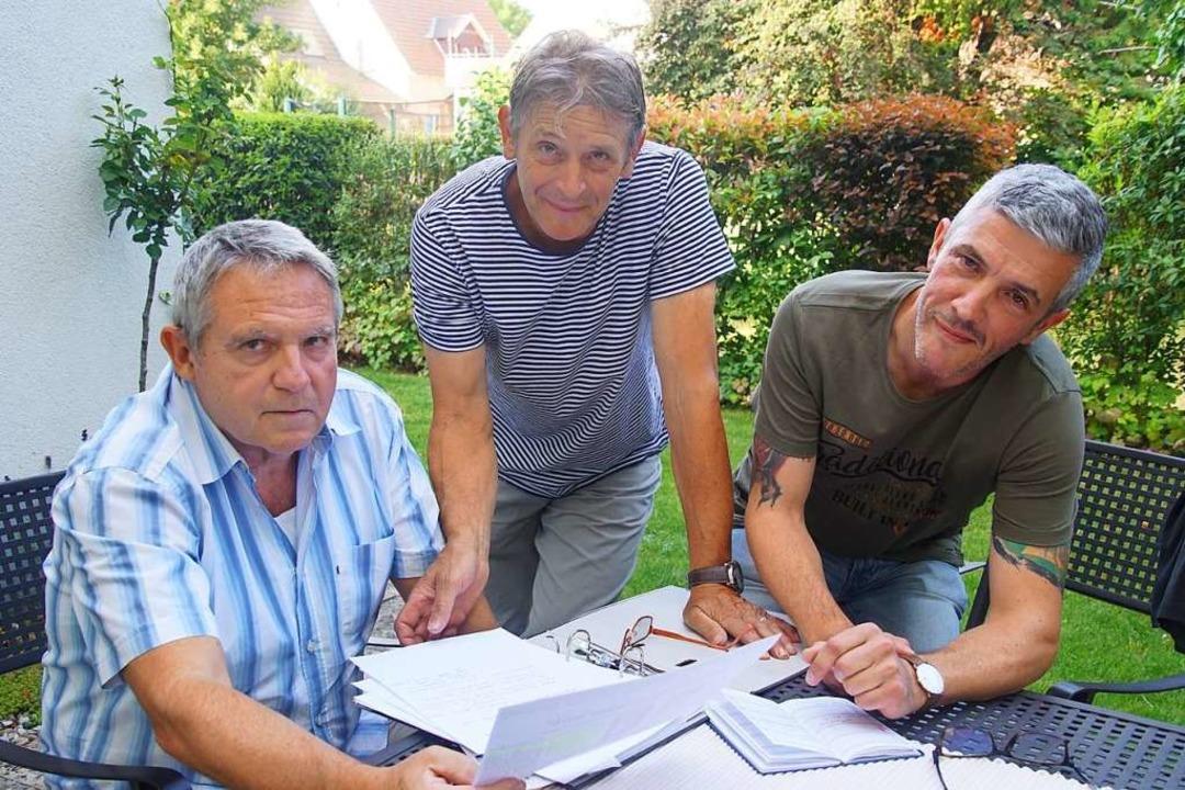 "Axel Moser (von links), Theo Maurer  u...;Jetzt langt's"" gegründet.    Foto: Ilona Huege"