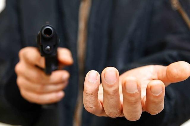 Räuber bekommt Bewährungsstrafe für Überfälle mit selbgebastelter Pistole