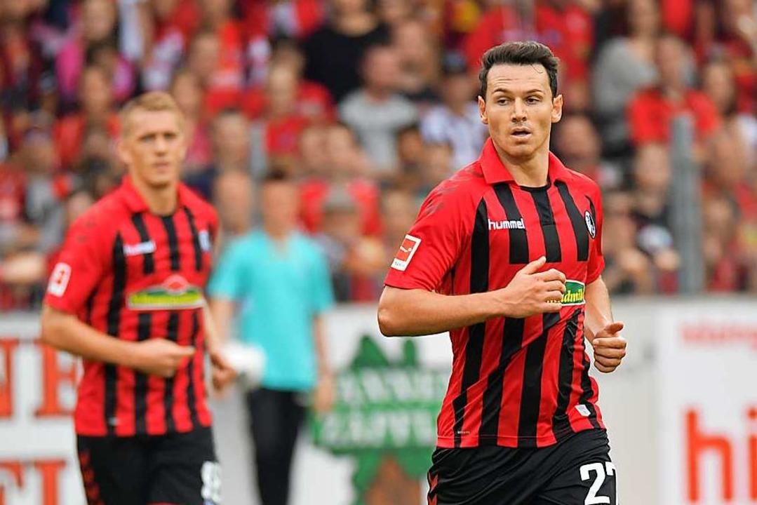 Der Fehler von Nicolas Höfler (r.) führte zum 1:2 gegen den 1. FC Köln.  | Foto: Achim Keller