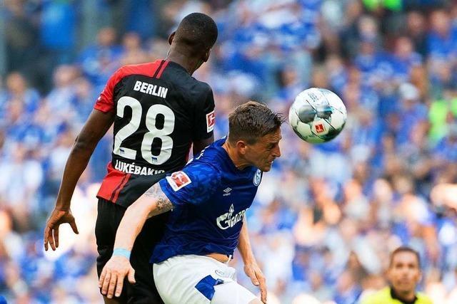 Hertha Berlin schießt zwei Eigentore und verliert gegen Schalke