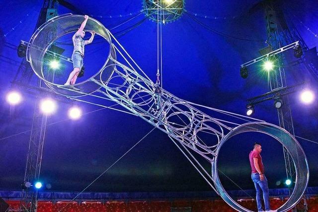 So fühlt es sich im Todesrad des Zirkus Charles Knie an