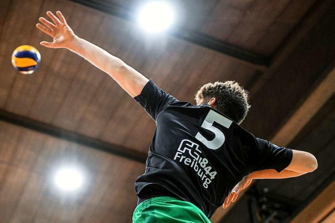 Die FT ist auch ein Ort für klassische...8211; hier die Zweitliga-Volleyballer.  | Foto: Patrick Seeger