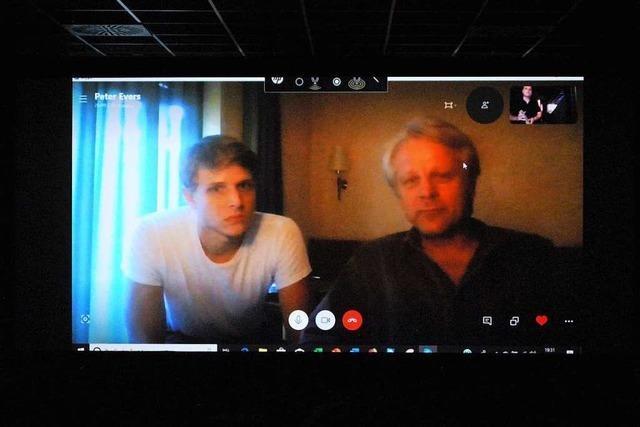 Kaputter Auspuff stoppt Regisseur und Darsteller auf dem Weg ins Union-Kino
