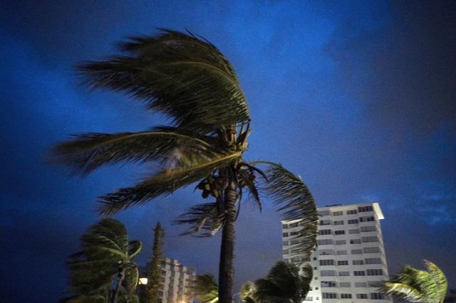 Hurrikan Dorian trifft die nördlichen Bahamas mit voller Wucht
