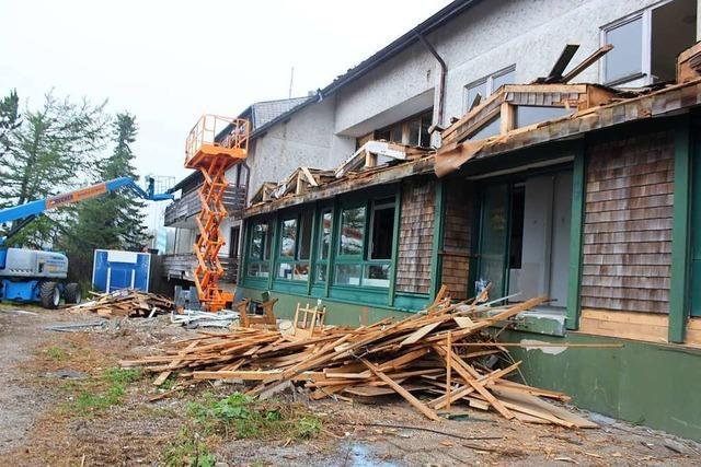 Der Abriss des früheren Kandelhotels hat begonnen