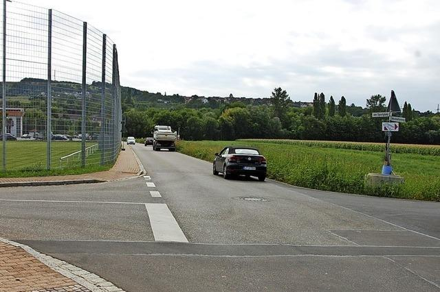 Verkehrssicherheit an der neuen Achse zum Sportplatz soll steigen