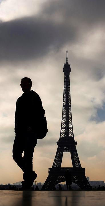 Noch gibt es kaum Grün umden Eiffeltur...u den Olympischen Spielen 2024 ändern.    Foto: LIONEL BONAVENTURE