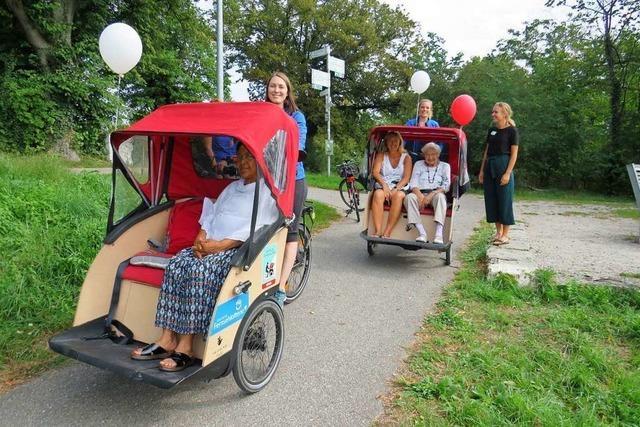 In Rheinfelden wurde mit Rikschas für seniorengerechte Mobilität geworben