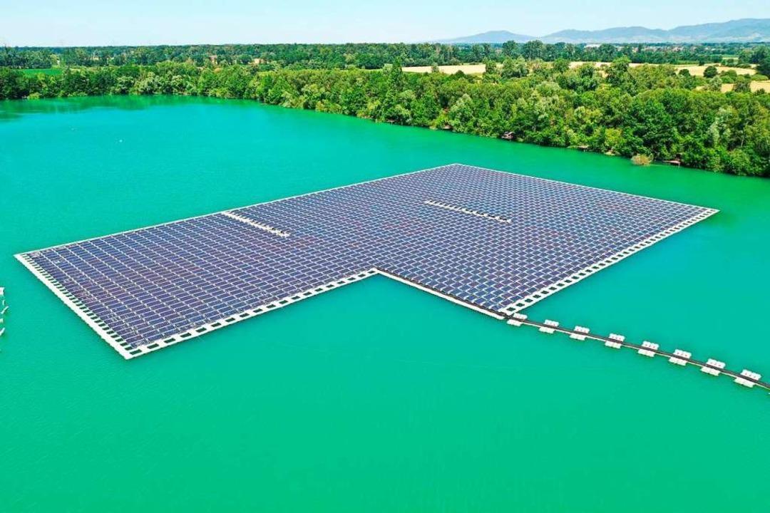 Die größte schwimmende Photovoltaikanl...Deutschland in Renchen im Ortenaukreis  | Foto: Benedikt Spether (dpa)