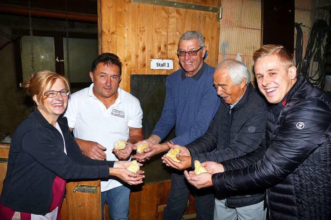 Das Team von REWE Dieter Schneider zu Besuch auf dem Truthahnhof Reinbold  | Foto: REWE Dieter Schneider