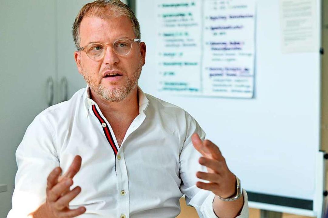 René Funk sagt, sein Amt wolle die ehrenamtlichen Festveranstalter unterstützen.  | Foto: Michael Bamberger