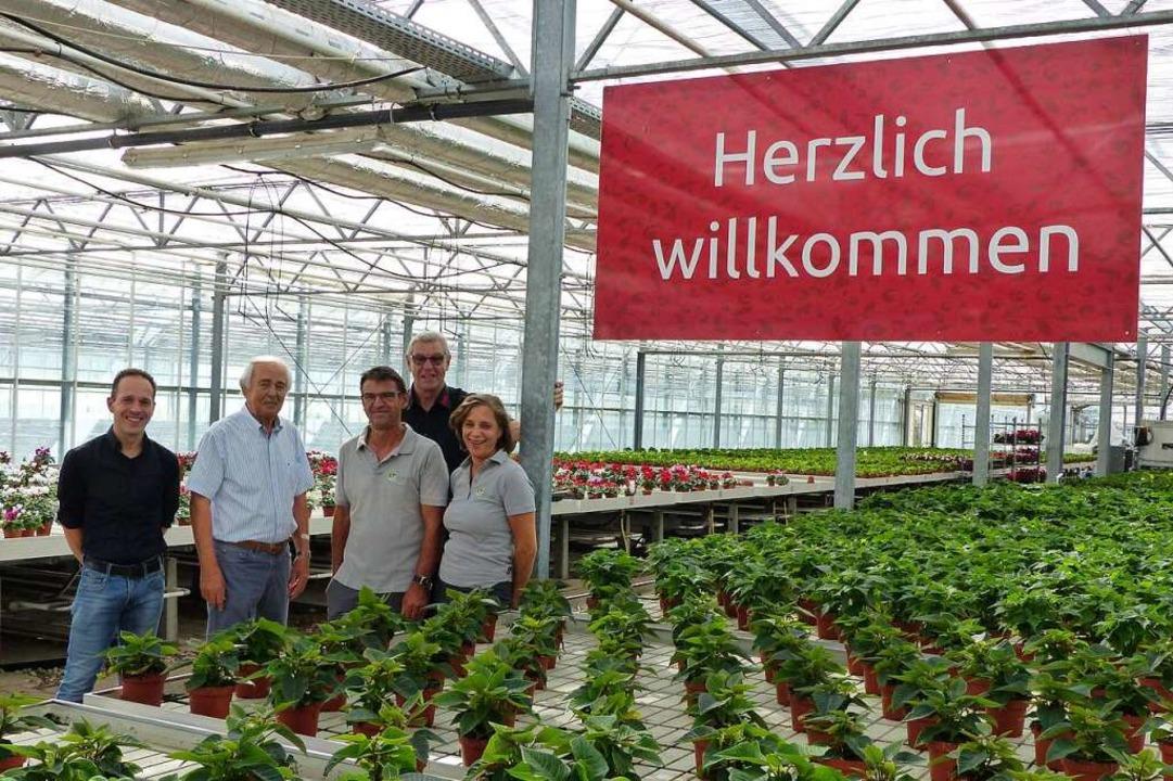 REWE Dieter Schneider zu Besuch bei Blumen Schmidt in Kollmarsreute.  | Foto: REWE Dieter Schneider