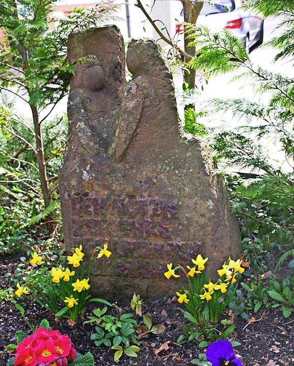 Geschichtsträchtiger Gedenkstein: das ...portierte Juden nach Gurs (Frankreich)  | Foto: Marlies Jung-Knoblich