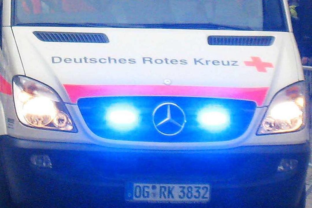 DRK-Rettungsfahrzeug im Einsatz  | Foto: Helmut Seller