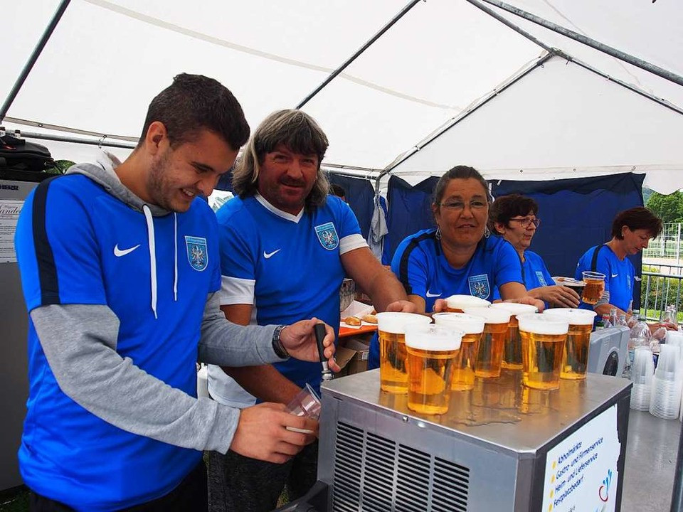 Bier gab es genug.  | Foto: Boris Burkhardt